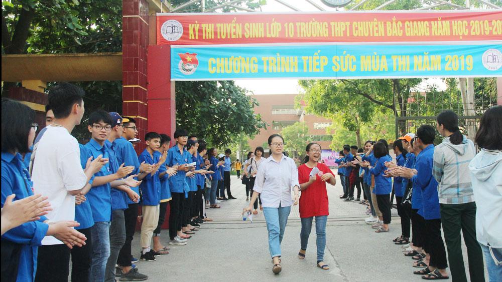 UBND tỉnh Bắc Giang, Trường THPT Chuyên Bắc Giang, năm học 2021-2022, Sở giáo dục và đào tạo Bắc Giang