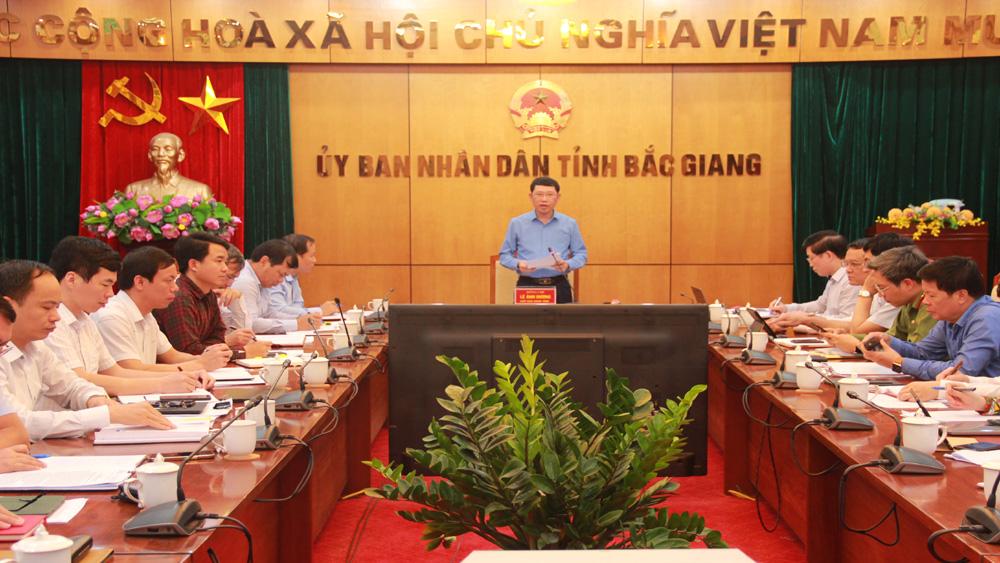 Chủ tịch UBND tỉnh Lê Ánh Dương chủ trì buổi giao ban.