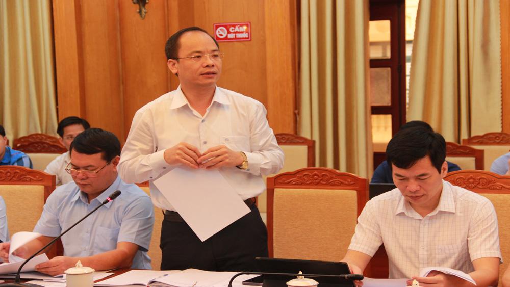 Chủ tịch UBND TP Bắc GiangĐặng Đình Hoan thảo luận.