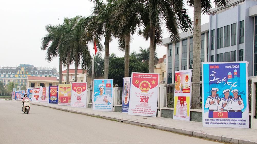 Bắc Giang: Trưng bày tranh cổ động về bầu cử