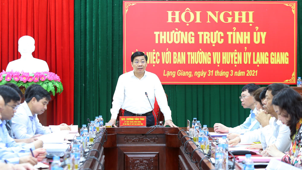 Provincial Party leader, Bac Giang province, Lang Giang district, develop industry, urban areas, implementation of resolutions, mechanisms and solutions