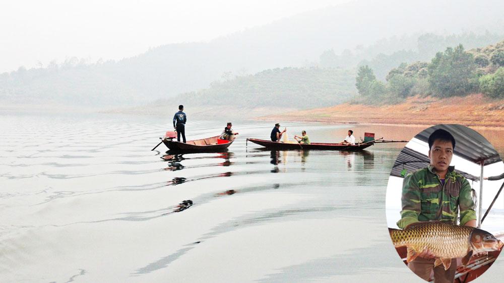 Săn cá hồ Cấm Sơn
