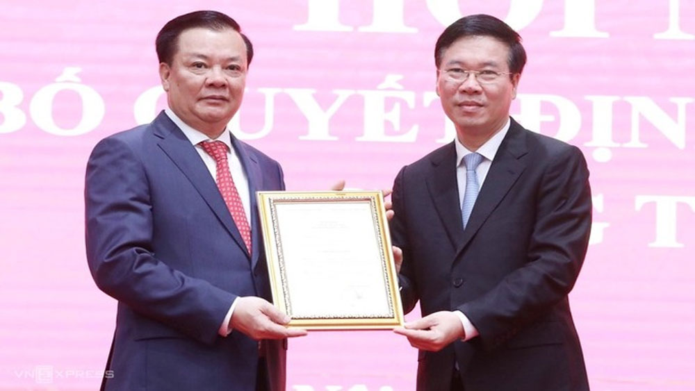 Politburo assigns Dinh Tien Dung as Hanoi Party Committee Secretary
