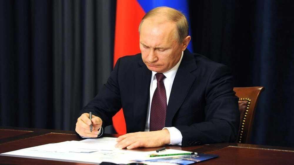 Tổng thống V.Putin, ký ban hành luật, cho phép, tái tranh cử, 2 nhiệm kỳ