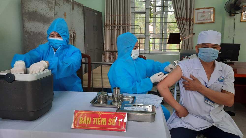 Bắc Giang: Hỗ trợ 100% kinh phí tiêm vắc xin Covid-19 cho người thuộc hộ cận nghèo