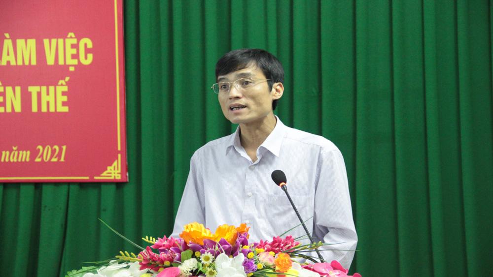 Bí thư Huyện ủy Yên Thế Bùi Thế Chung báo cáo một số nội dung.
