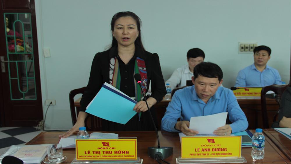 Phó Bí thư Thường trực Tỉnh ủy Lê Thị Thu Hồng phát biểu ý kiến.