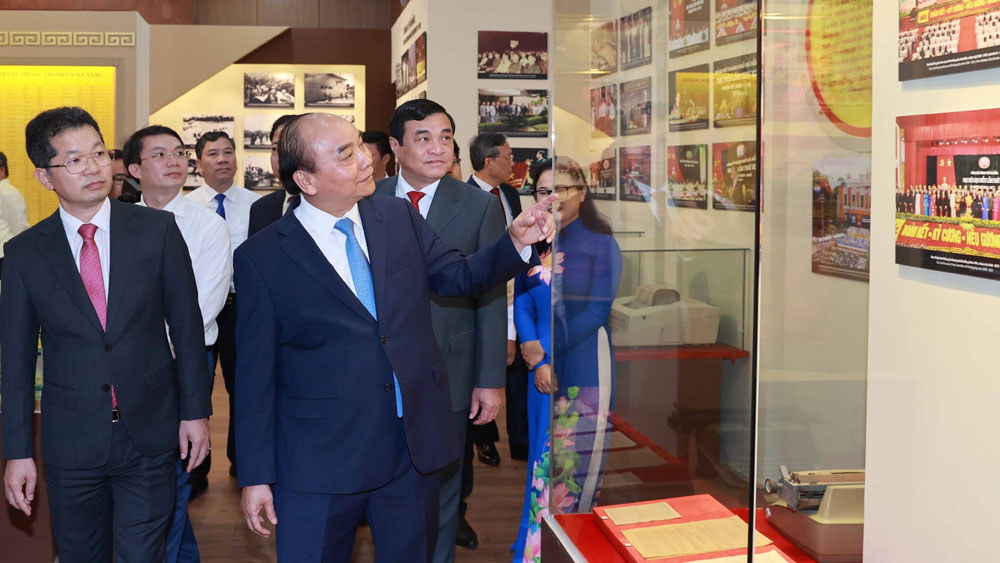 Chủ tịch nước Nguyễn Xuân Phúc làm việc với lãnh đạo TP Đà Nẵng và tỉnh Quảng Nam