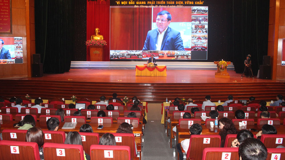 Bac Giang province, comprehensive and firm development, officials, civil servants, public employees,  digital transformation, Party Congress, inevitable trend