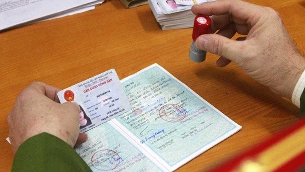 Đình chỉ 5 công an liên quan việc thu 100.000 đồng làm thẻ căn cước ở Hải Phòng
