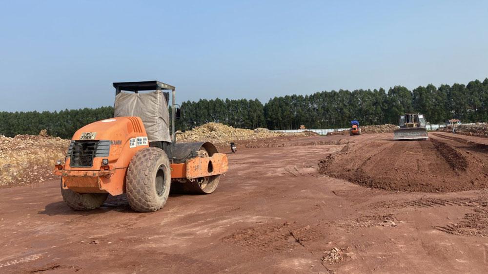 Khắc phục khó khăn, bảo đảm tiến độ dự án hạ tầng, kho bãi Trung tâm Logistics Quốc tế TP Bắc Giang