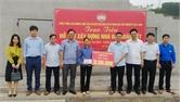 Lục Ngạn: Hỗ trợ hộ nghèo xã Hộ Đáp xây nhà đại đoàn kết