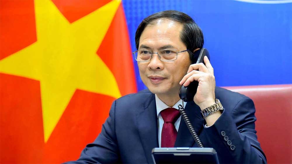 Bộ trưởng Bộ Ngoại giao Bùi Thanh Sơn điện đàm với Ủy viên Quốc vụ, Bộ trưởng Ngoại giao Trung Quốc