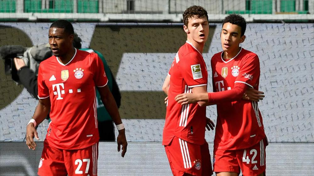 Bayern tạo cách biệt bảy điểm với Leipzig