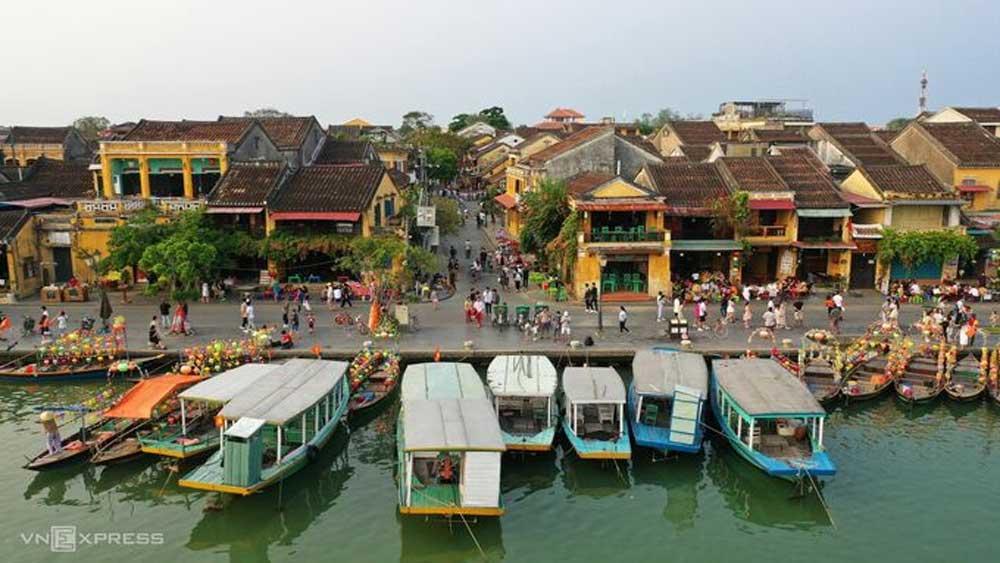 Quảng Nam đề xuất đón khách quốc tế có 'hộ chiếu vaccine'