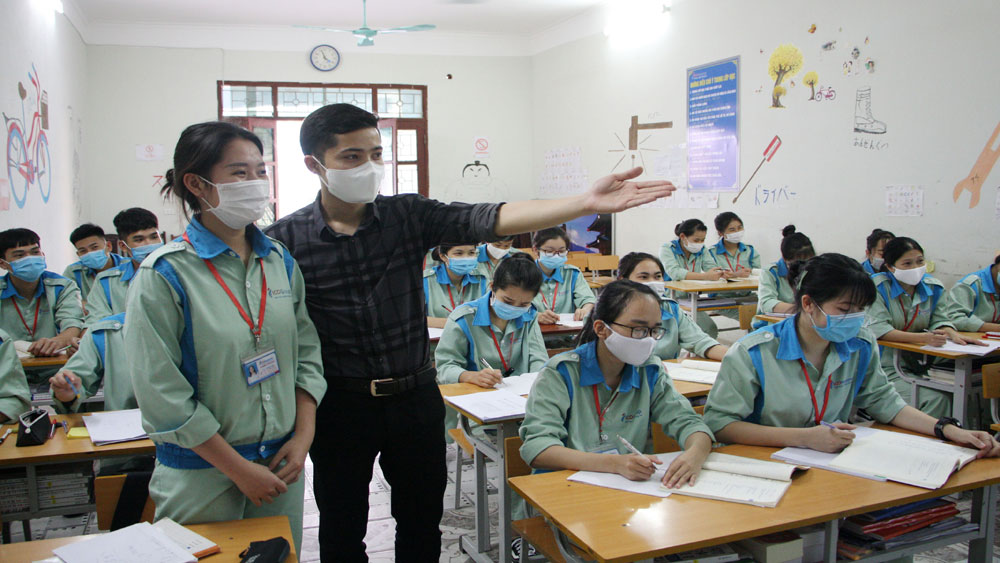 Labour export, Bac Giang province, gradually recovers, Covid-19 pandemic, disease prevention requirement, new normal situation, safe departure