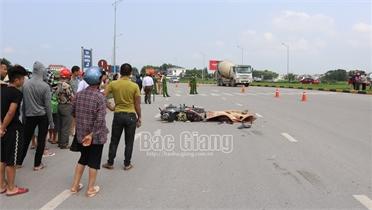 Bắc Giang: Tai nạn giao thông tại chân cầu Đồng Sơn, một người tử vong