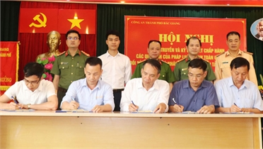 TP Bắc Giang: Hơn 100 tổ chức, cá nhân cam kết chấp hành các quy định về ATGT