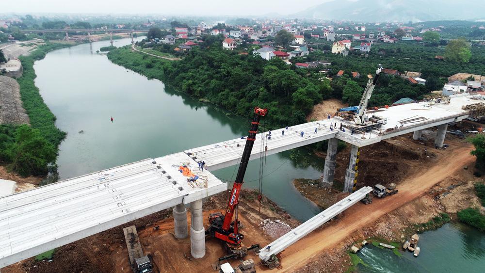 Lục Ngạn, cầu Chũ, Hợp long cầu Chũ, huyện Lục Ngạn, Bắc Giang, vốn ngân sách, tiêu thụ vải thiều