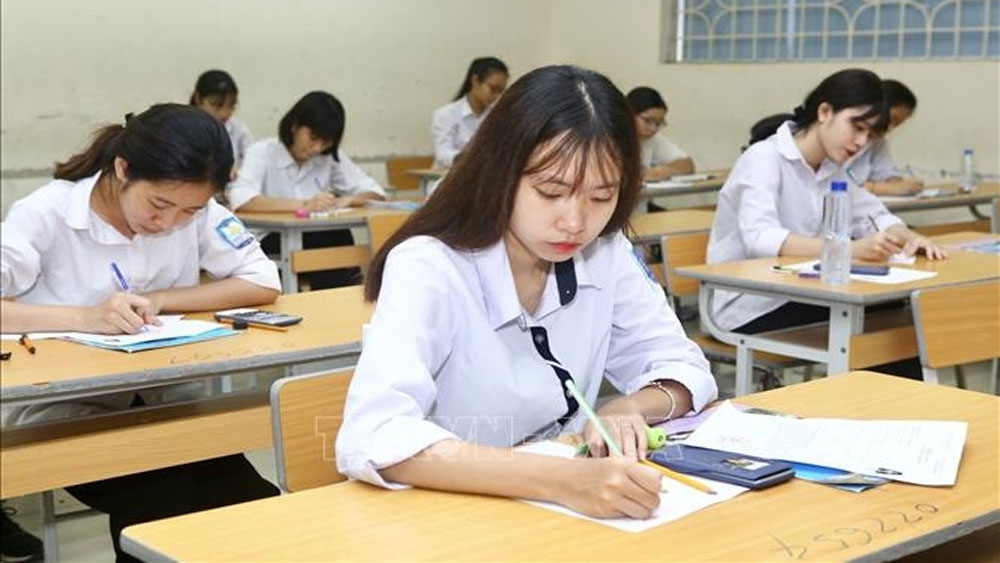 Students, high school graduation exams, university entrance admission, personal information, exam subjects, information system