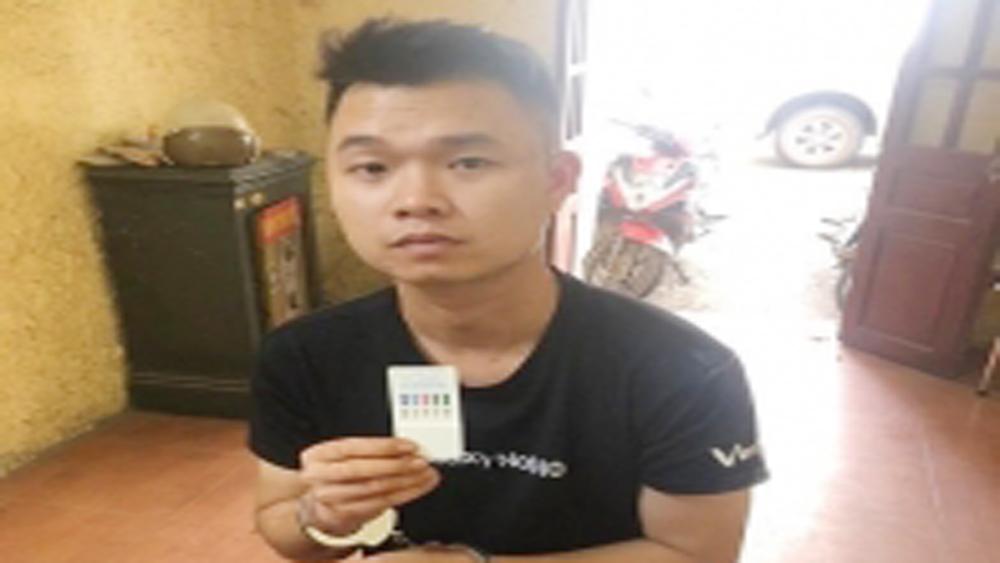 Bắc Giang: Kiểm tra vi phạm giao thông, phát hiện đối tượng tàng trữ ma túy đá và hồng phiến