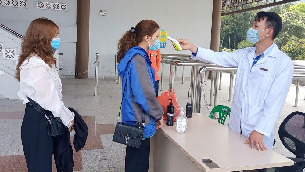 Tightening Covid-19 preventive measure when more visitors flock to Tay Yen Tu