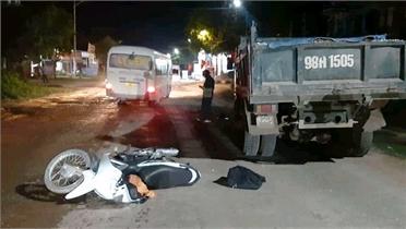 Bắc Giang: Tránh ổ gà trên quốc lộ 31, người đàn ông tử vong dưới bánh xe tải