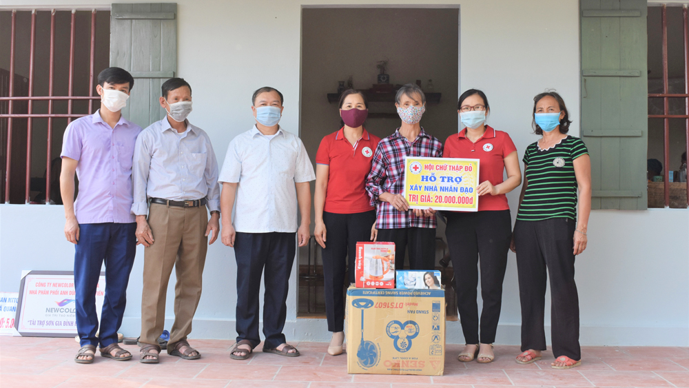 Tân Yên hỗ trợ xây dựng 4 nhà nhân đạo