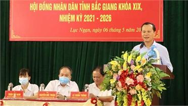 Phó Chủ tịch Thường trực UBND tỉnh Mai Sơn và các ứng cử viên ĐBQH, HĐND tỉnh tiếp xúc cử tri, vận động bầu cử tại huyện Lục Ngạn