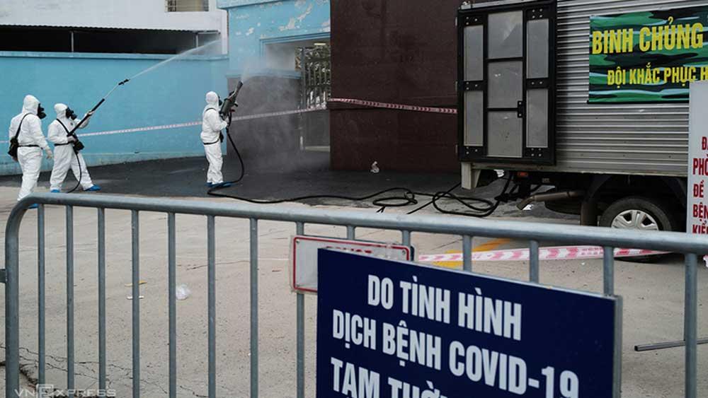 4 học sinh lớp 12 ở Hà Nội, bị lây nhiễm Covid-19