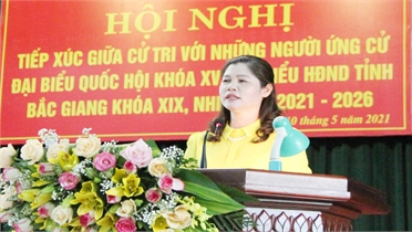 Phó Chủ tịch Thường trực HĐND tỉnh Lâm Thị Hương Thành tiếp xúc cử tri huyện Tân Yên