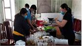 Phụ nữ huyện Lạng Giang ủng hộ phòng dịch Covid-19