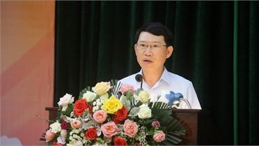 Chủ tịch UBND tỉnh Lê Ánh Dương và các ứng cử viên ĐBQH, HĐND tỉnh tiếp xúc cử tri huyện Việt Yên