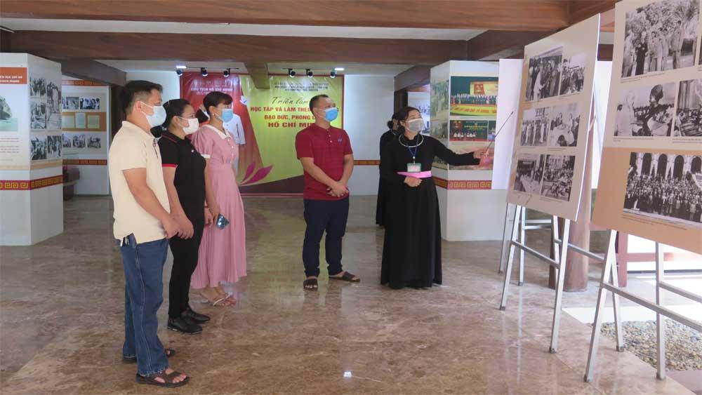 Trưng bày tư liệu, ảnh tư liệu về Chủ tịch Hồ Chí Minh tại ATK Định Hóa, Thái Nguyên