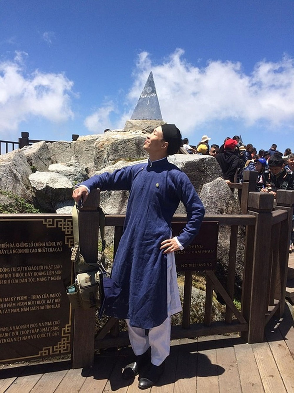 Mount Fansipan, steel pyramid, story of pride, 20-kilogram stainless steel pyramid, Le Hong Quang, new pyramid