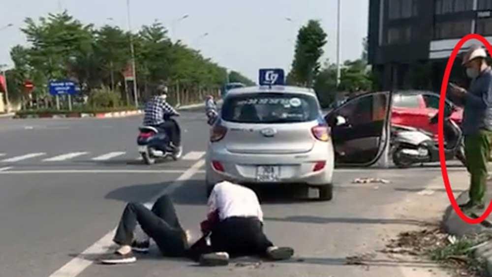 Đứng nhìn, tài xế ,bị thương, vật lộn với tên cướp, chiến sĩ công an, bị xem xét kỷ luật