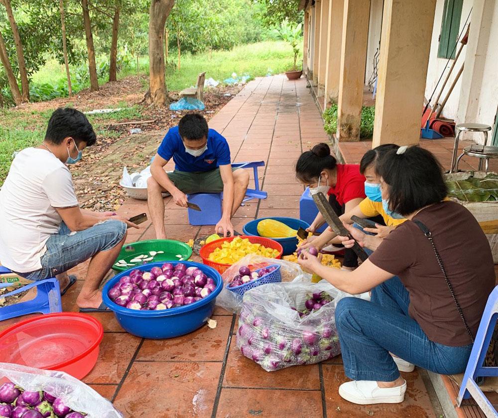 """Tuổi trẻ, TP Bắc Giang, tình nguyện, vào """"điểm nóng"""""""