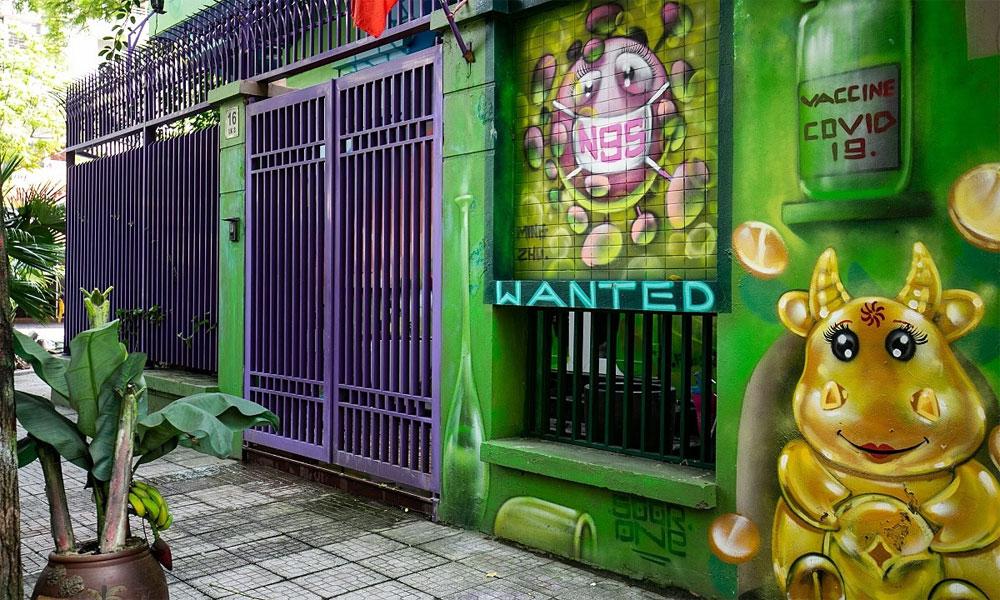 Hanoi villa, Covid-19 battle, Covid-19 prevention and control, colorful graffiti, Covid-19 preventative measures