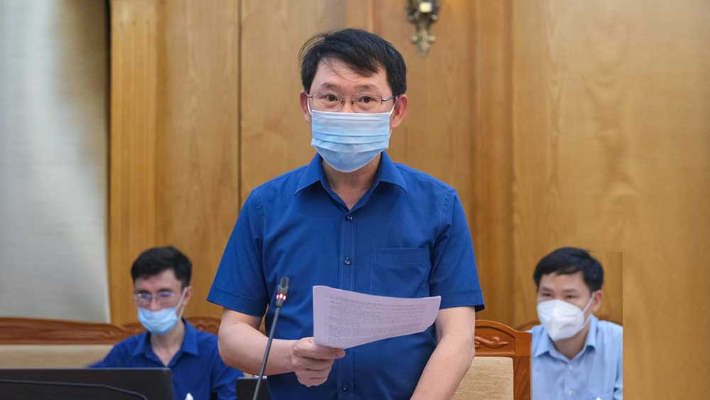 Chairman of Bac Giang provincial People's Committee: Applying strong measures to keep the whole country safe