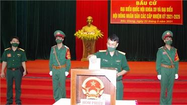 Cử tri Bắc Giang thực hiện quyền bầu cử