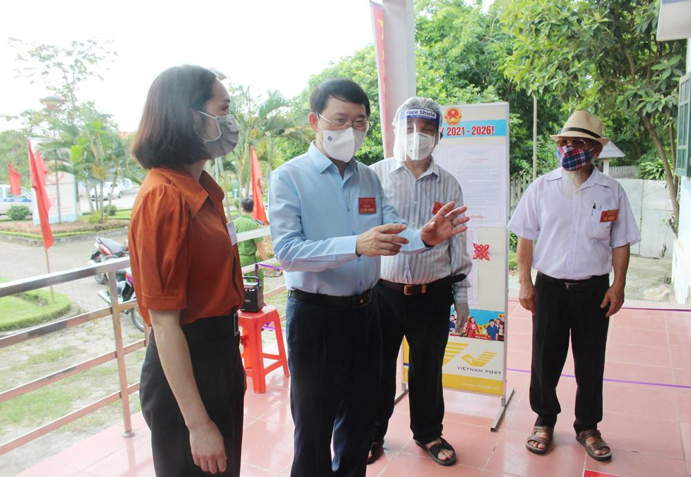 Đồng chí Lê Ánh Dương, kiểm tra công tác bầu cử, Lạng Giamg, TP Bắc Giang, huyện Việt Yên.