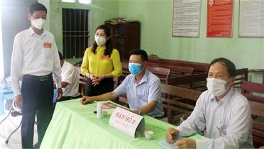 Phó Chủ tịch Thường trực HĐND tỉnh Lâm Thị Hương Thành: Thực hiện nghiêm quy định về phòng dịch trong bầu cử