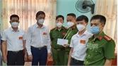 Lãnh đạo huyện Yên Dũng thăm, động viên cán bộ công an bị thương khi làm nhiệm vụ