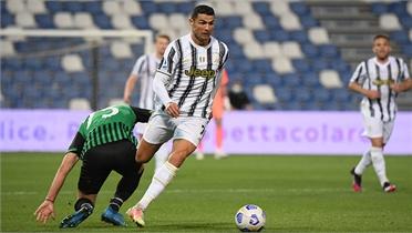 Ronaldo thành Vua phá lưới xuyên quốc gia