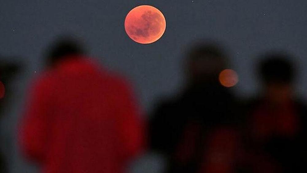 'Super Flower Blood Moon' visible from Vietnam