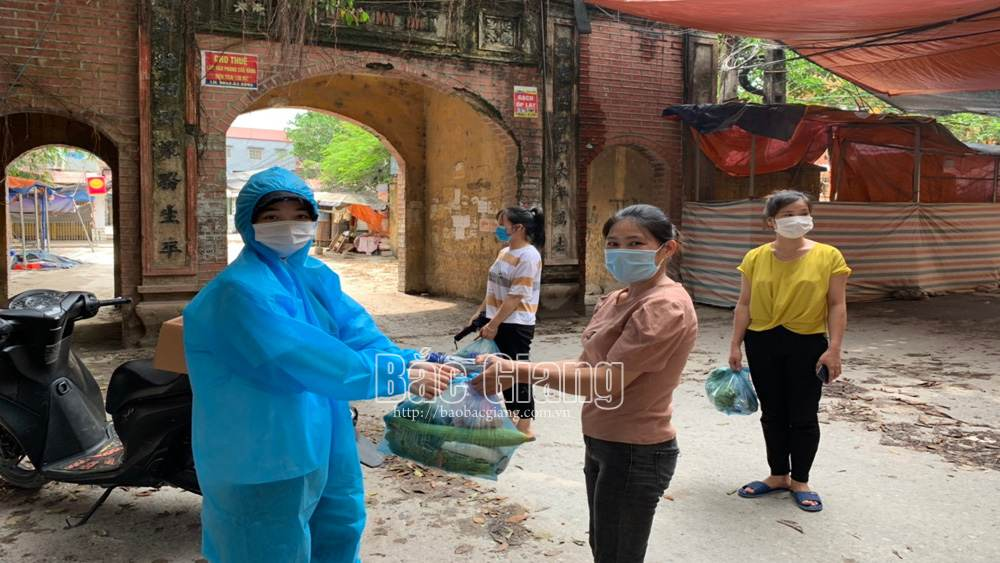 Bac Giang province, Quarantined, female worker, charity work, Covid-19 pandemic, boarding house, agricultural products, epidemic broke out
