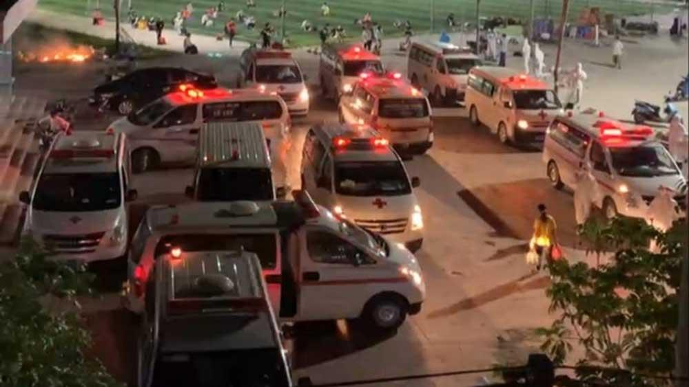 Bắc Giang, Xe cứu thương, hối hả, đưa cả nghìn công nhân, đi cách ly trong đêm