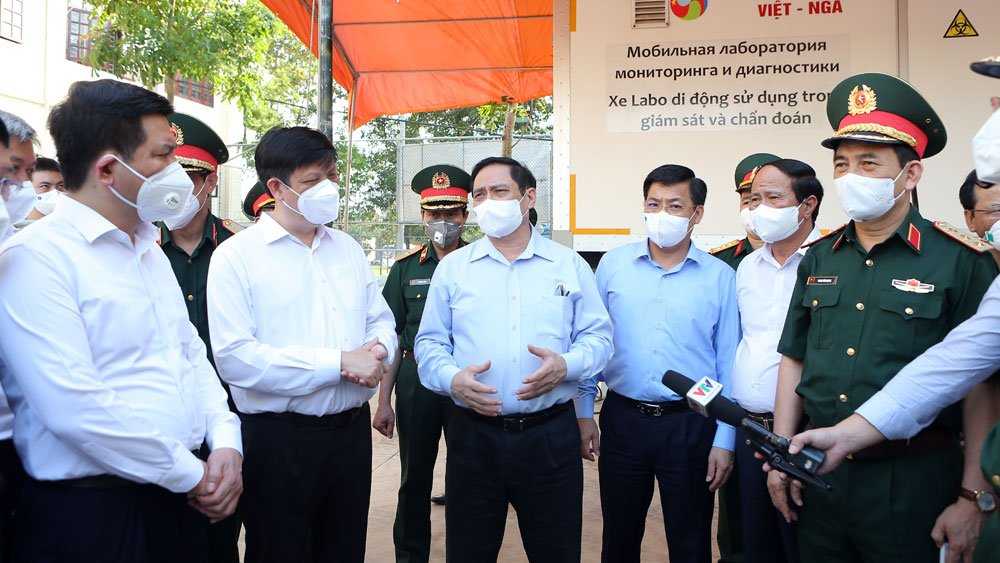 PM urges tackling difficulties for Bac Giang amid Covid-19