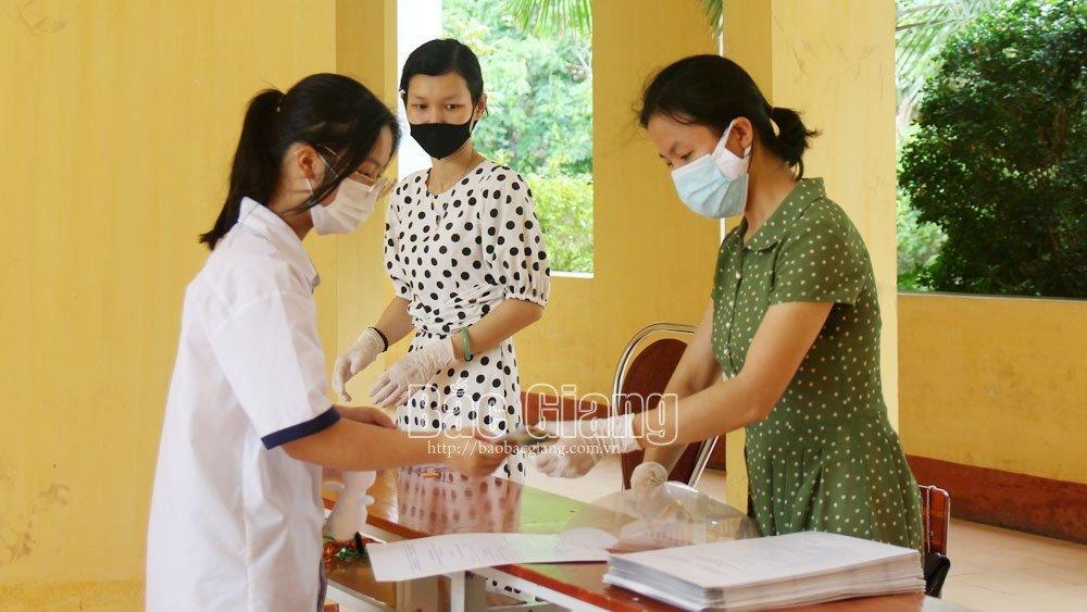 Hơn 1 nghìn hồ sơ đăng ký dự thi vào lớp 10 Trường THPT Chuyên Bắc Giang