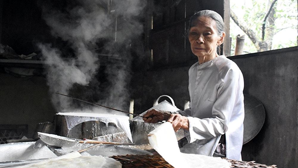 Tuy Loan rice paper making village